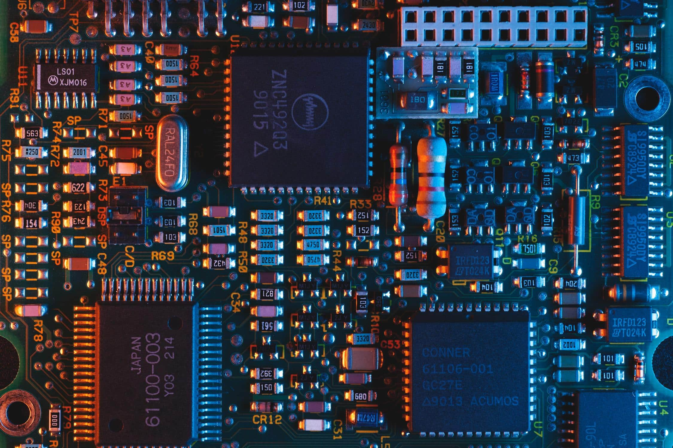 Elektronische Bauteile, bei denen elektrisches Rauschen entsteht