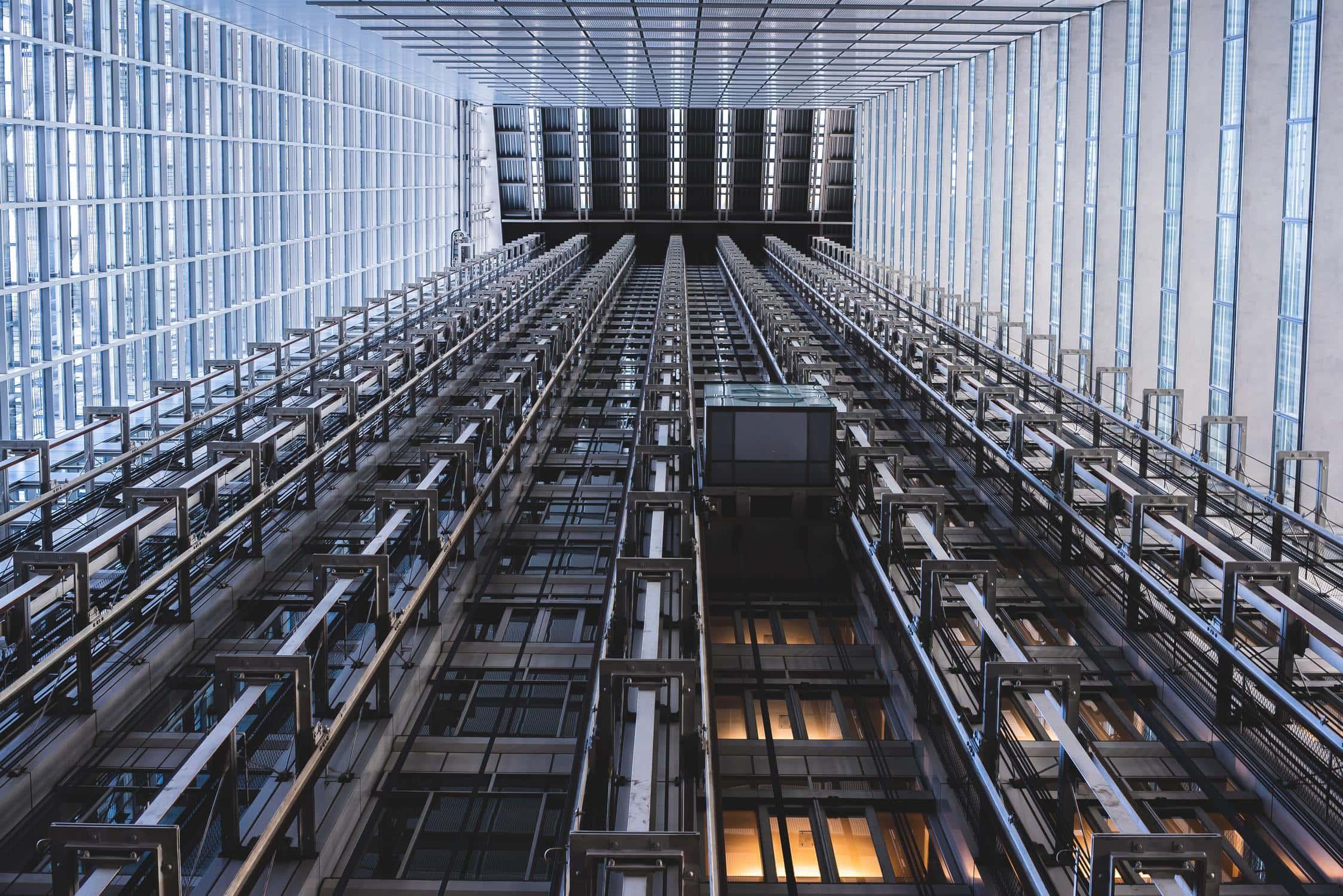 Aufzug von unten gesehen