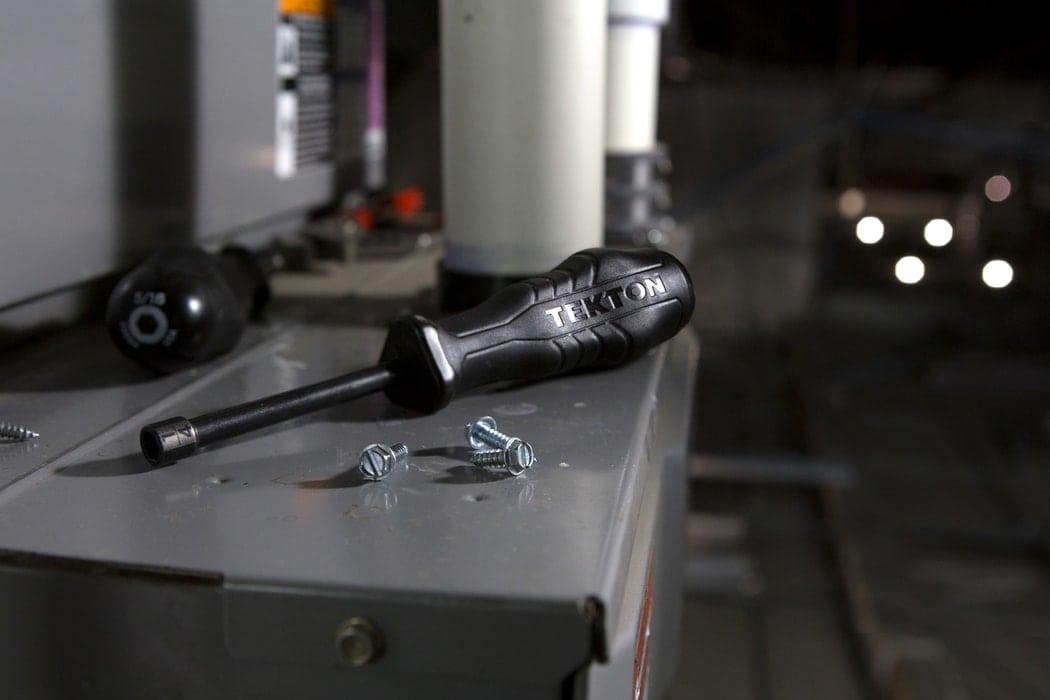 Der einfachste Elektromotor der Welt: Diese Tools sollte man haben