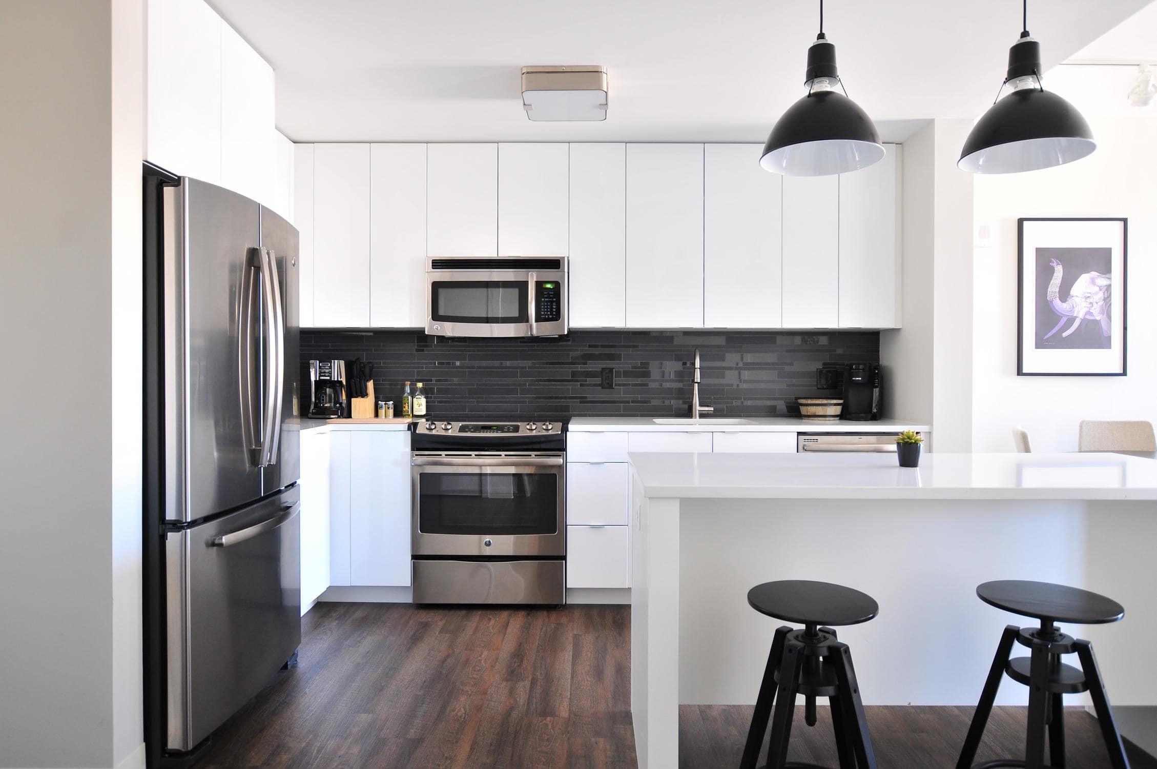 Mikrowelle in einer Küche